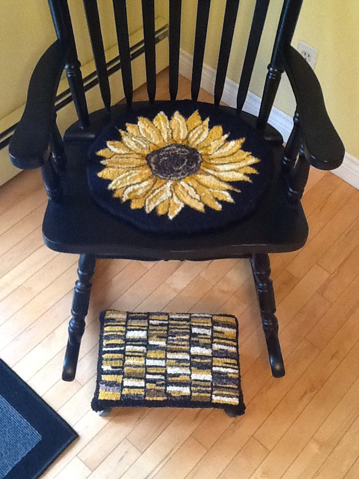 Sunflower chair pad and Hit and Miss footstool – Sunflower Chair Pads