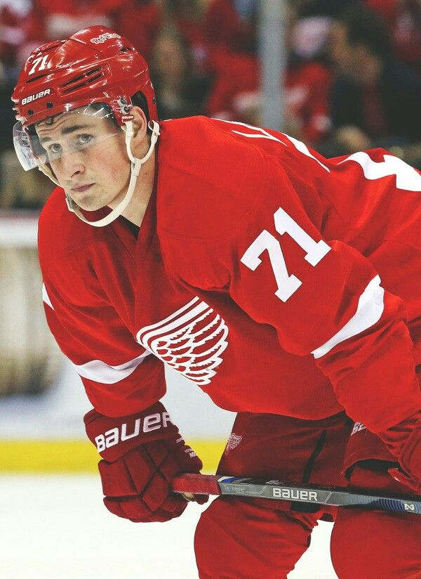 66a30d4f961 Dylan Larkin  71  He s ridiculously perfect and it s not even fair ...