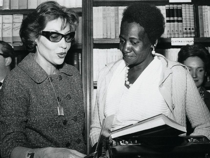 Anne E Carolina Biografia De Clarice Lispector Clarice