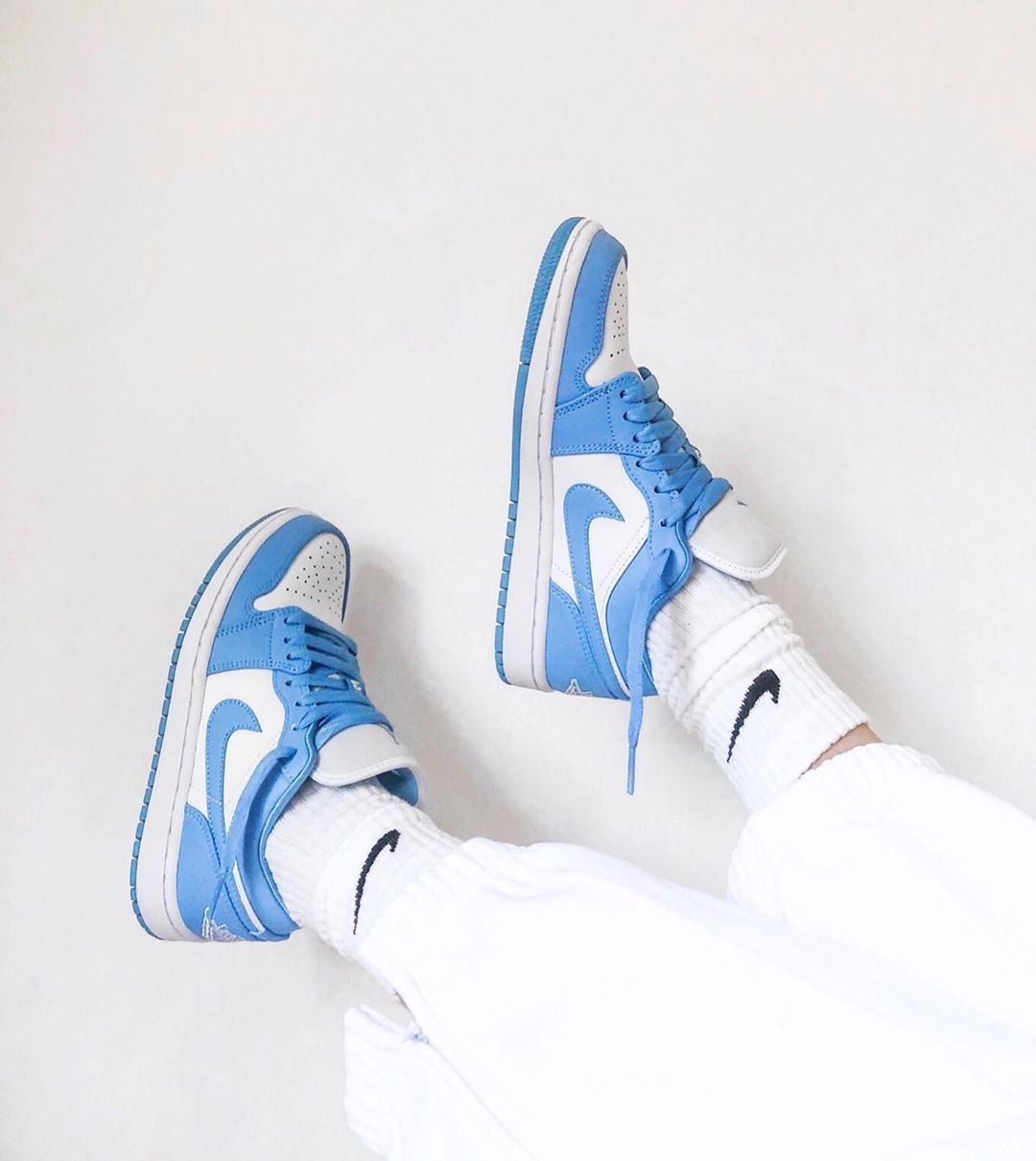 Epingle Sur Air Jordan 1
