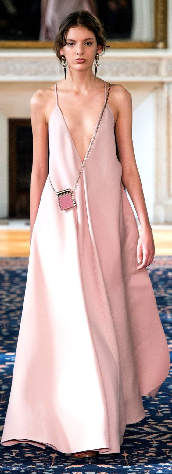 Valentino | Wishlist | Pinterest | Moda rosada, Rosas rosadas y Rosas