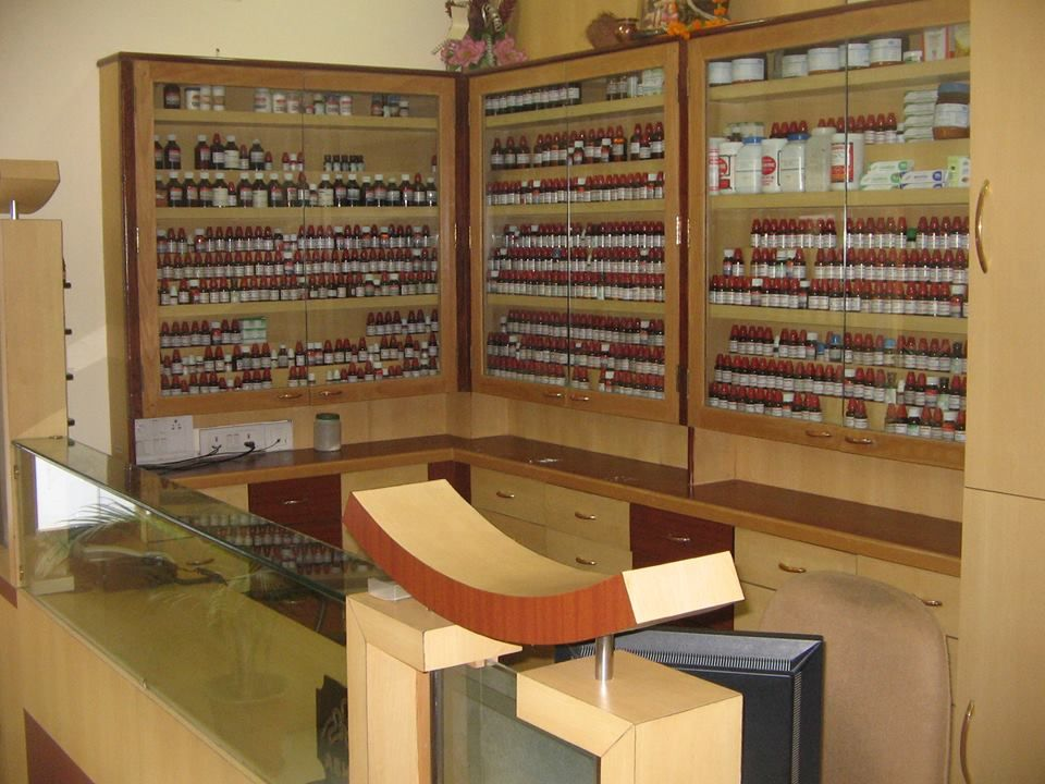 Designing a Homeopathy Clinic Dr. Manish Bhatia Clinic