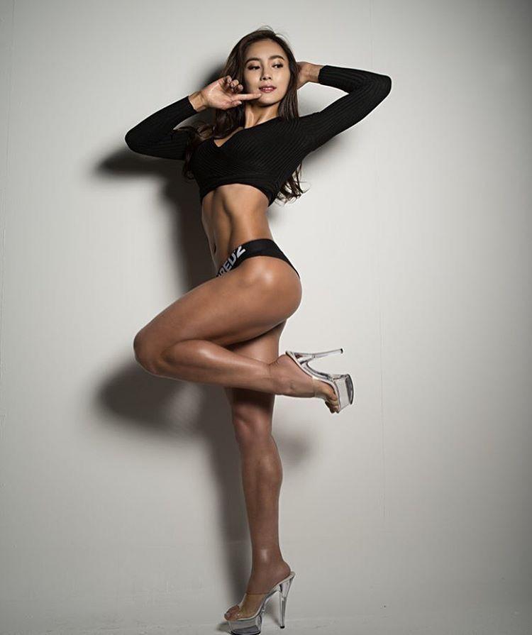 sexy korean legs