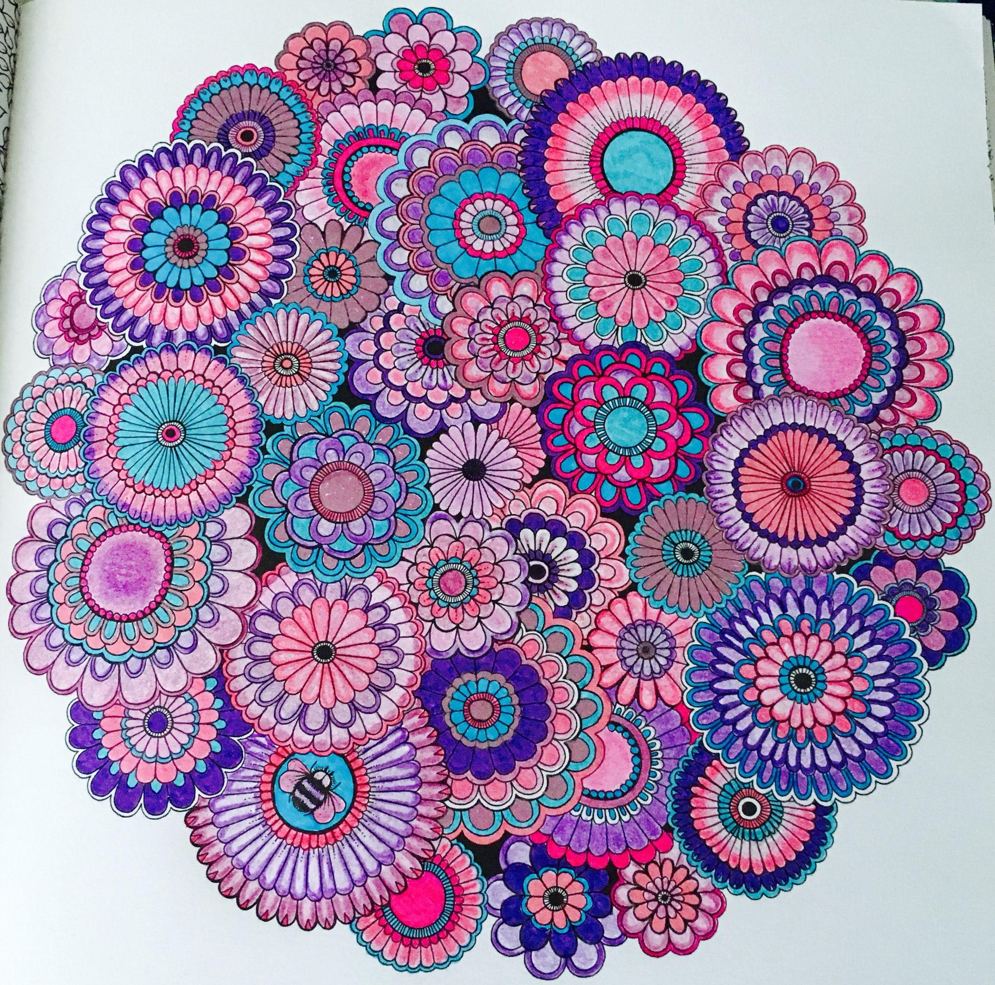 Jardin secret  Coloriage feutres Fabre Castel et crayons polychromos et stylos gel