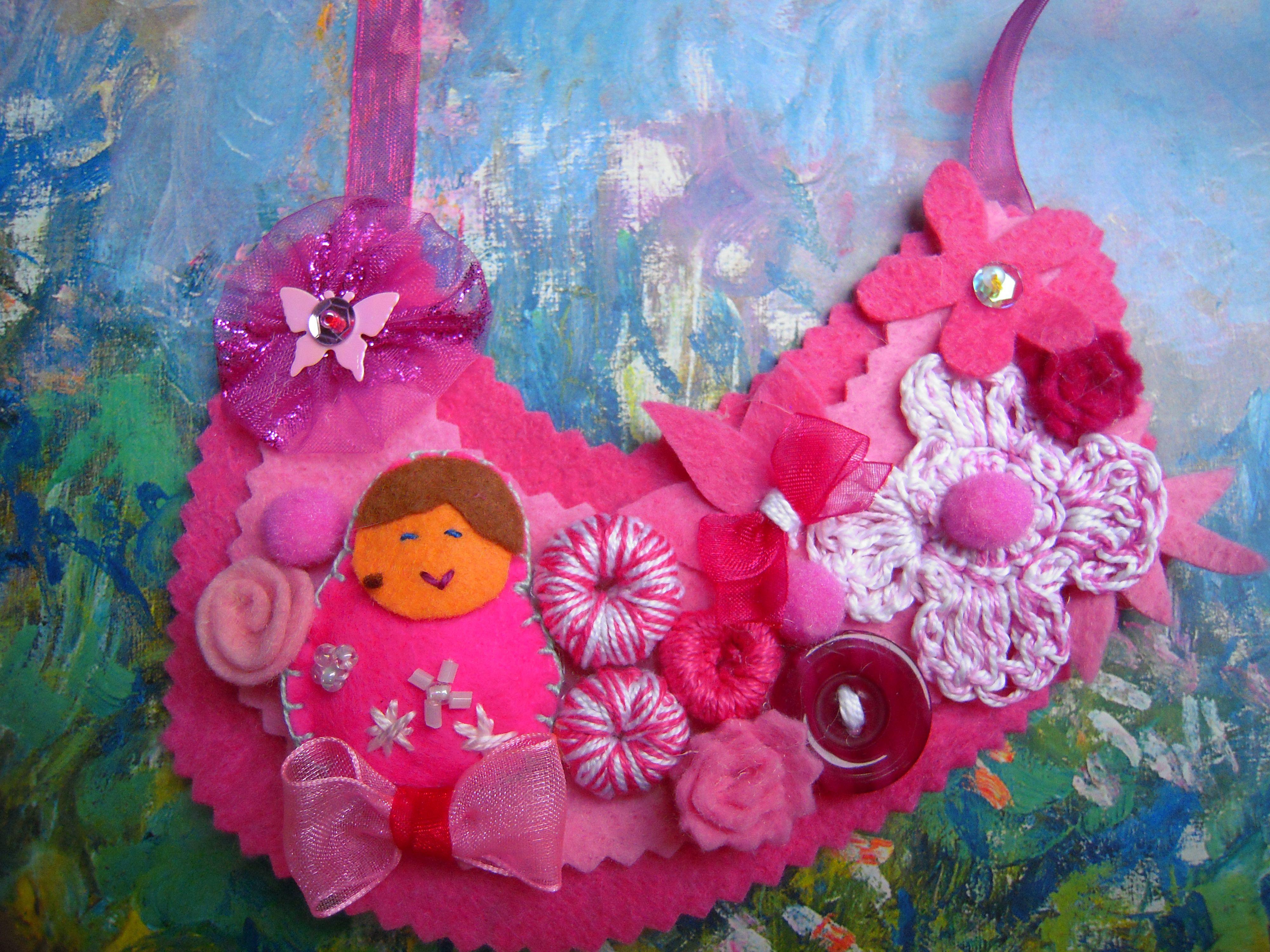 Collar en fieltro rosa