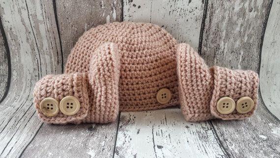 Bekijk dit items in mijn Etsy shop https://www.etsy.com/nl/listing/473703509/crochet-baby-booties-baby-uggs-baby-hat