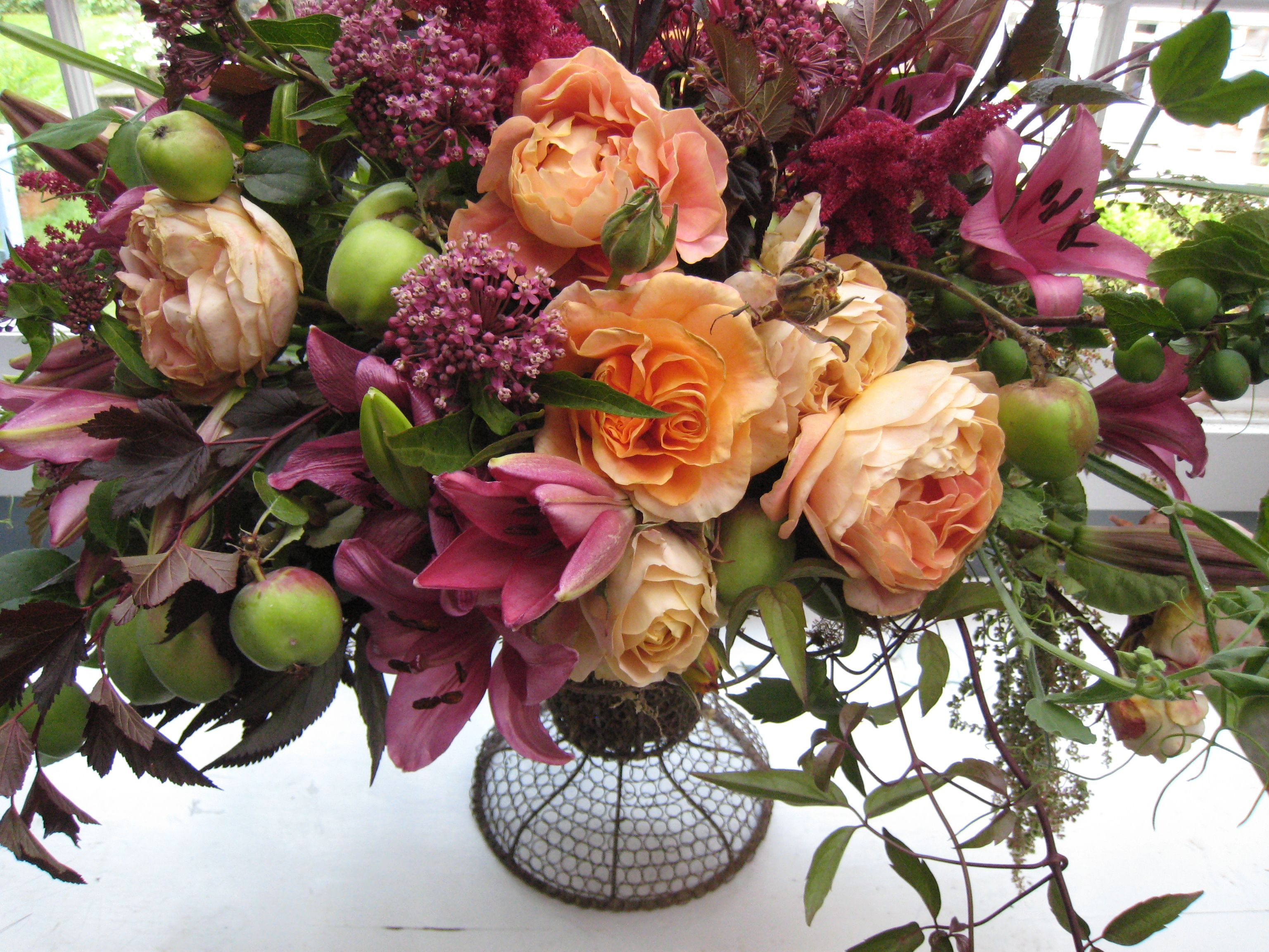 Flower arrangement with peach roses coral roses chocolate flower arrangement with peach roses coral roses chocolate hypericum dusty astillie and passion izmirmasajfo Images