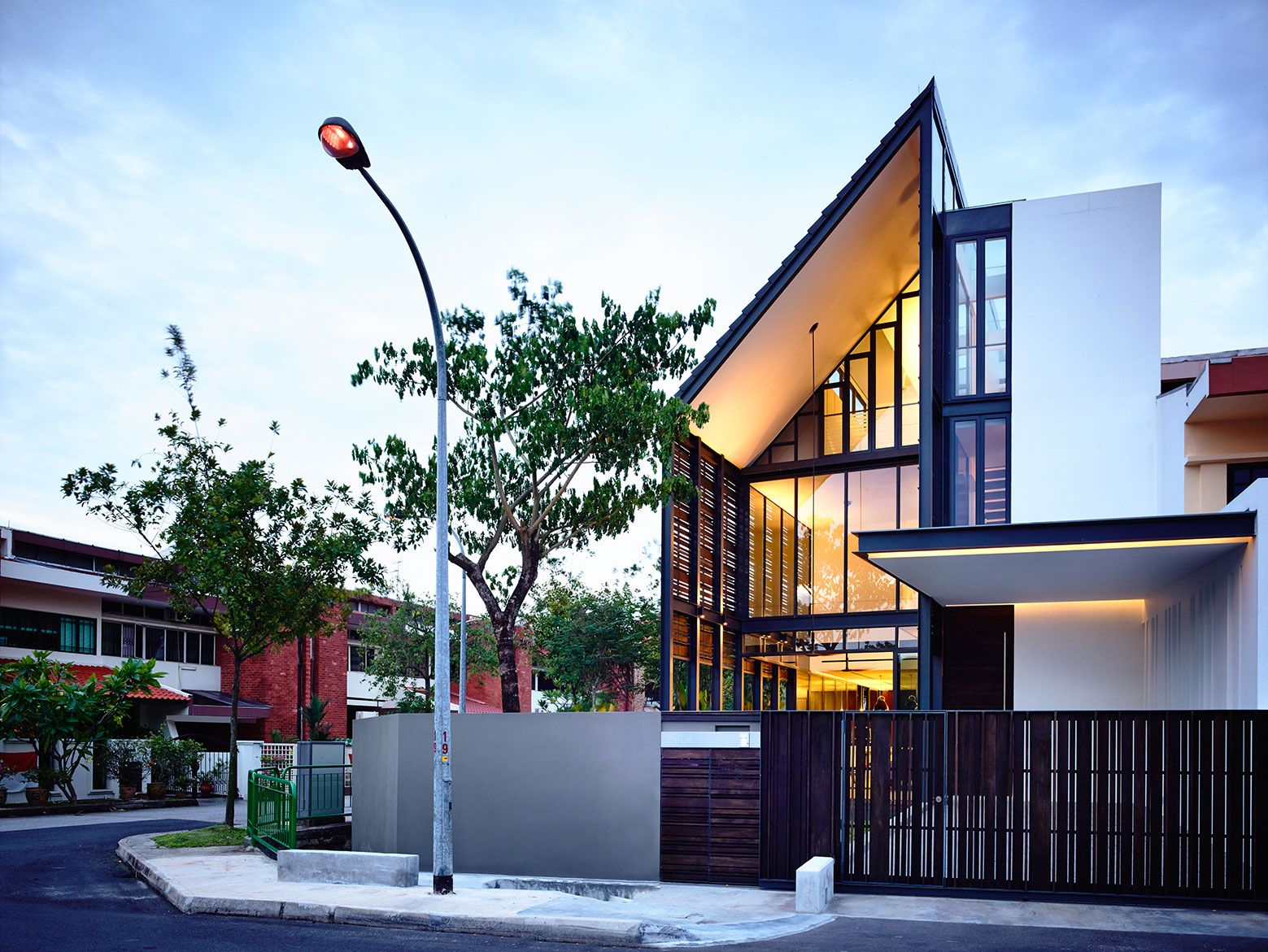 Lines of Light by HYLA Architects