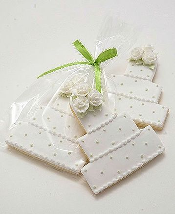 Decorated Cookie Wedding Favors Customized To Look Like Cakes See More Cookies
