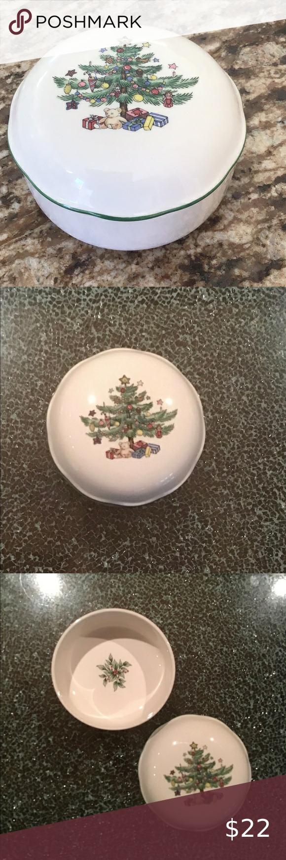 Vintage Nikko Christmas trinket or candy dish Vint
