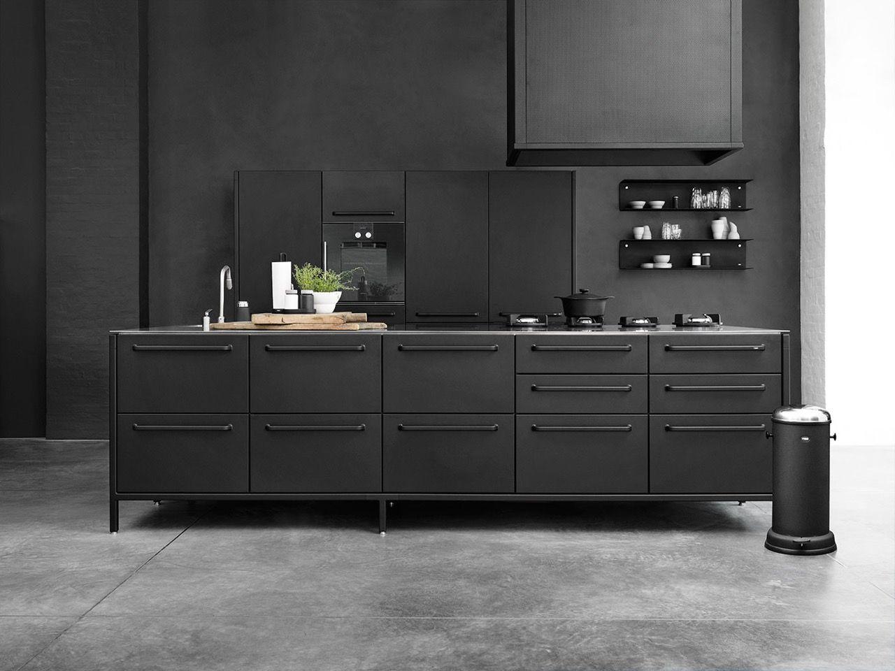 Keuken Kookeiland Zwart : Zwarte keuken met kookeiland en pitt cooking gasbranders design