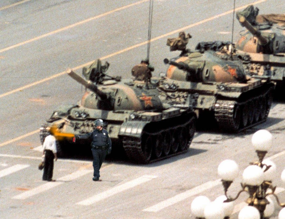 Tiananmen Square Iconic Photos Powerful Pictures Tank Man