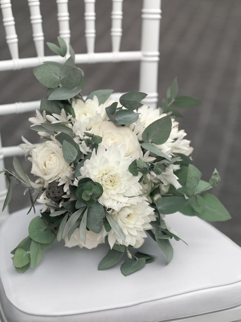 Brautstrauss in 2019  Blumen  Brautstrue Blumenstrau hochzeit und Blumendeko hochzeit