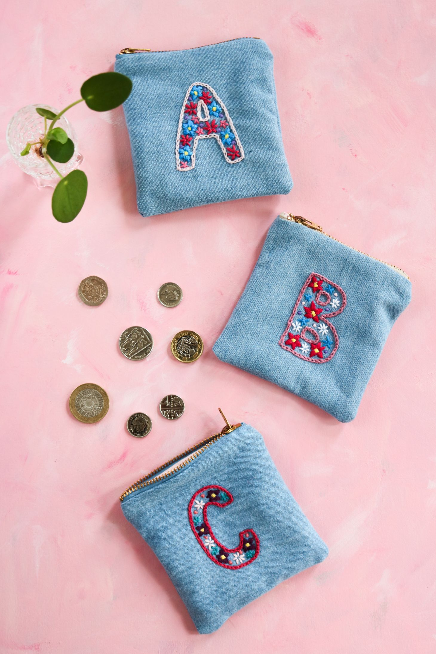 Embrodery And Little Coin Purse To Sew