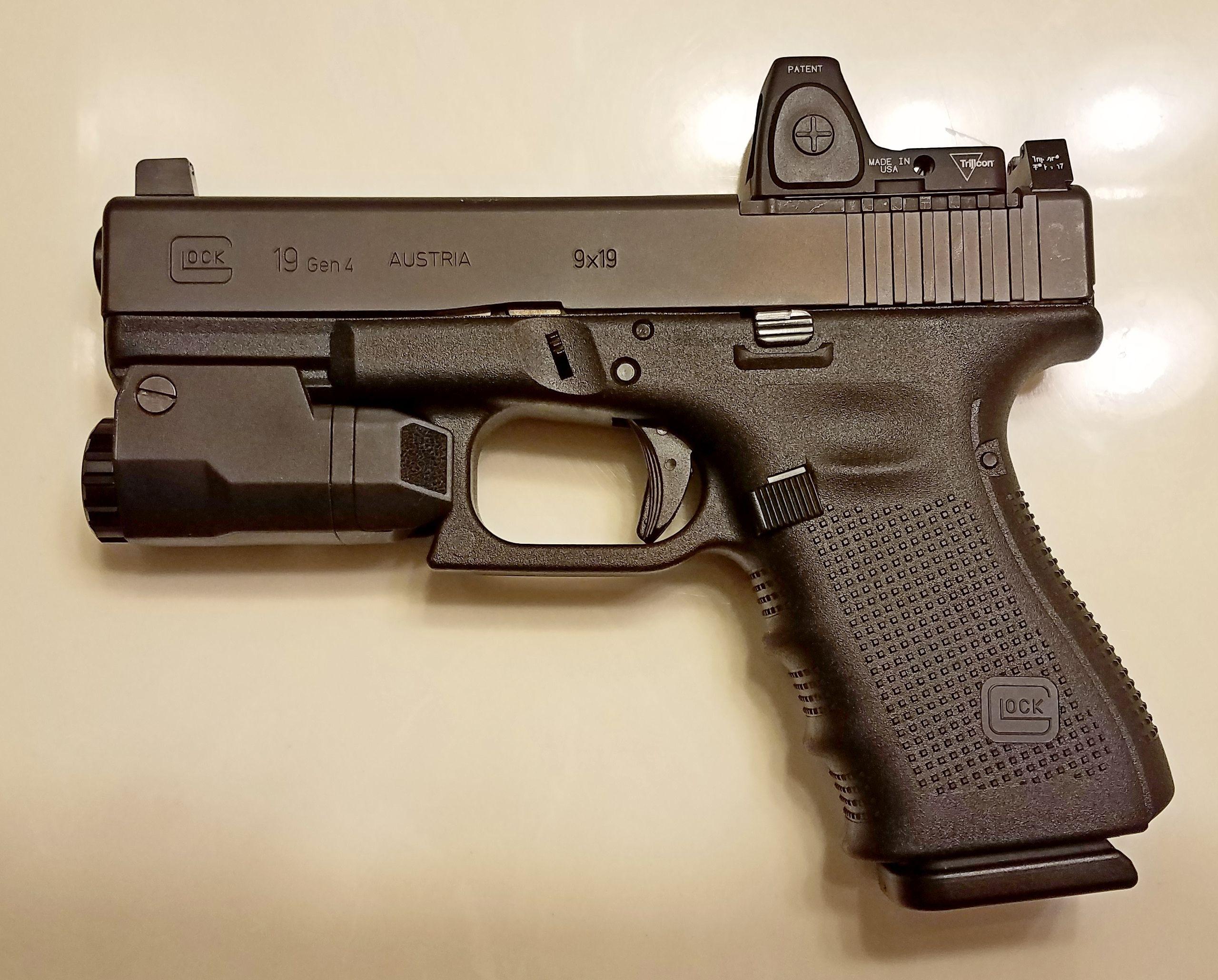 Glock 19 MOS Gen4 with Trijicon RMR Type 2 6 5 MOA, Trijicon