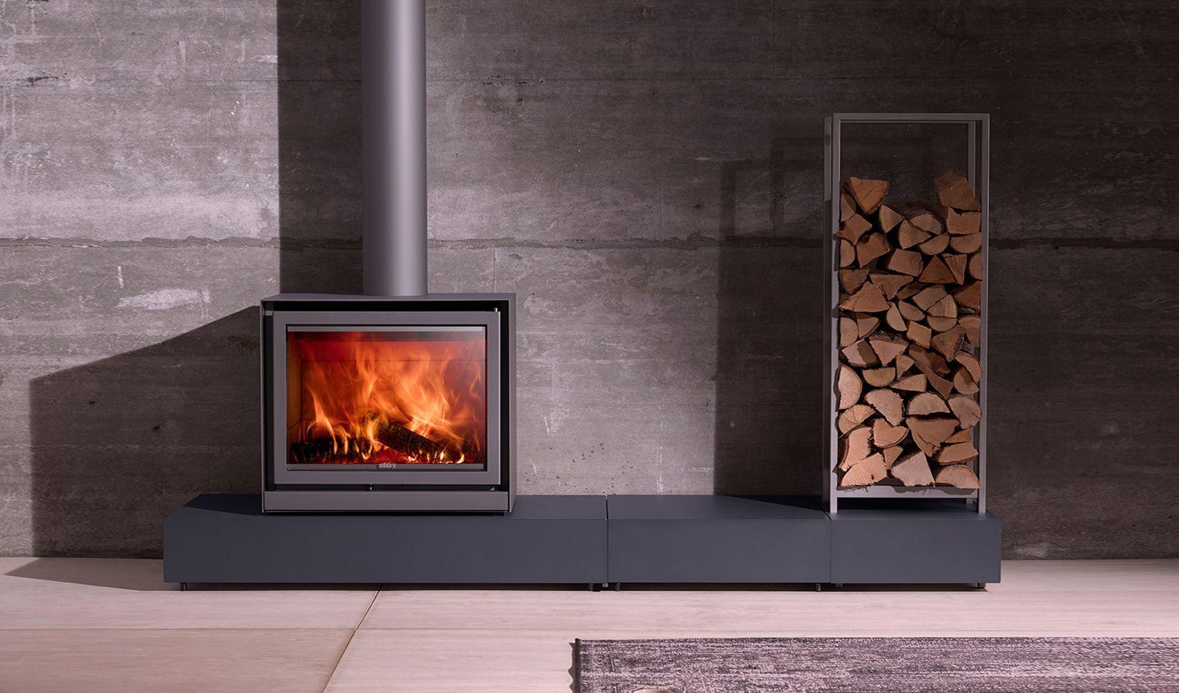 Pin By Gwen Buijteweg On Modern Fireplaces Wood Stoves Freestanding Fireplace Wood Burning Fireplace Inserts Wood Burning Stoves Living Room