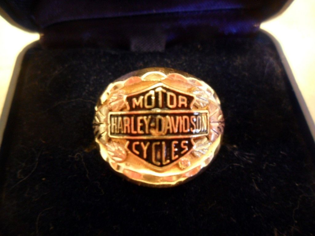 VINTAGE HARLEYDAVIDSON MENS 10K BLACK HILLS GOLD RING 87 GRAMS