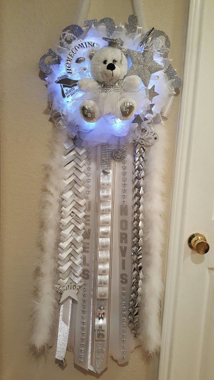 Quad Senior Homecoming mum (White and Silver) #homecomingmumsdiy