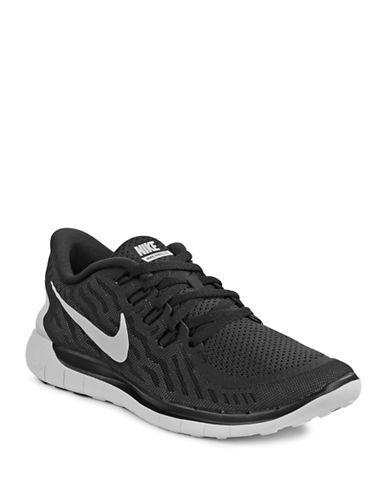 29a941d81e9 ... free shipping free 5.0 barefoot ride sneakers hudsons bay nike fashion  hudson bay women nike 9fb72