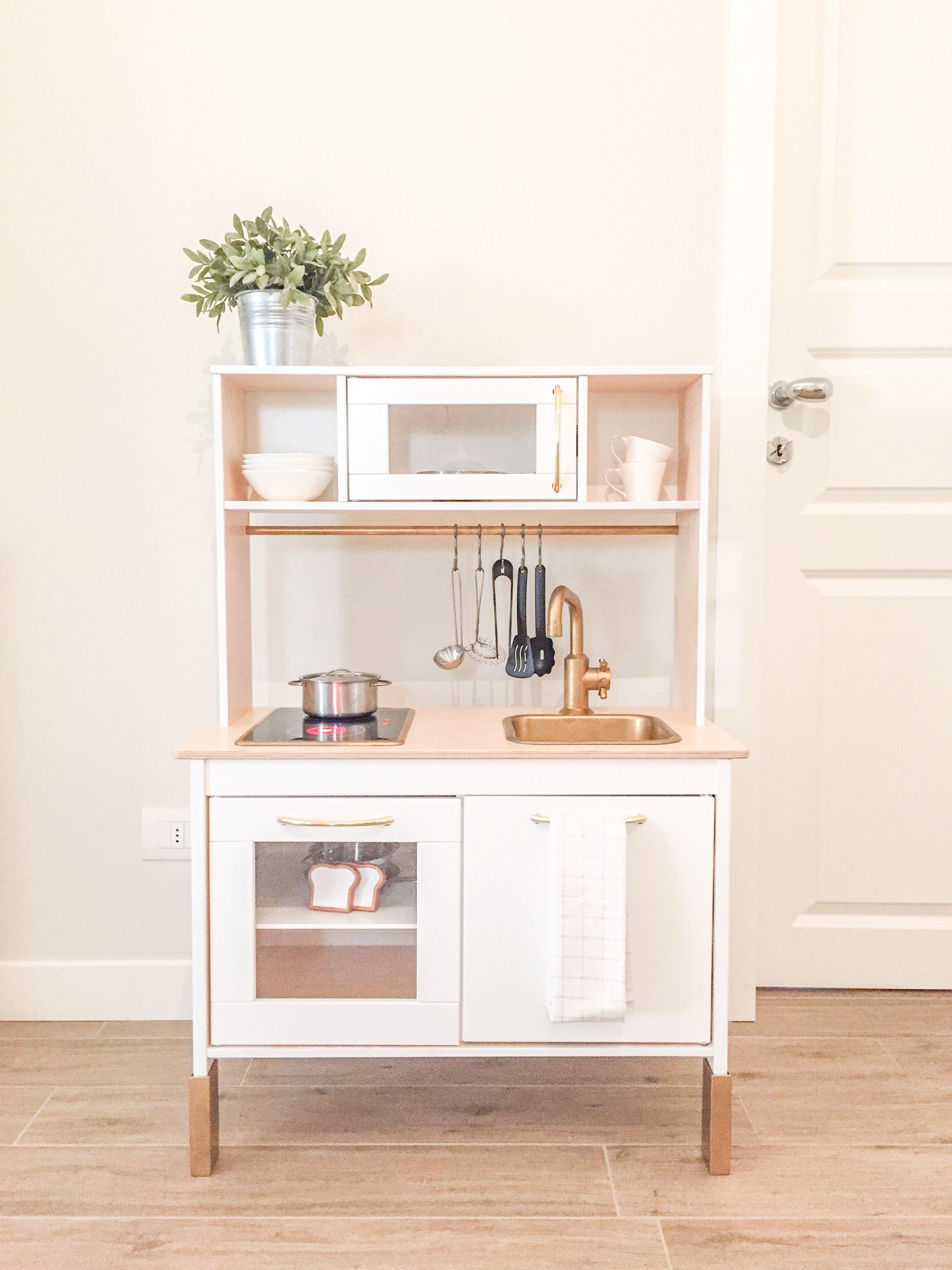 Crea la tua cucina da gioco per bambini personalizzandola con pochi semplici trucchi la pa - Crea cucina ikea ...