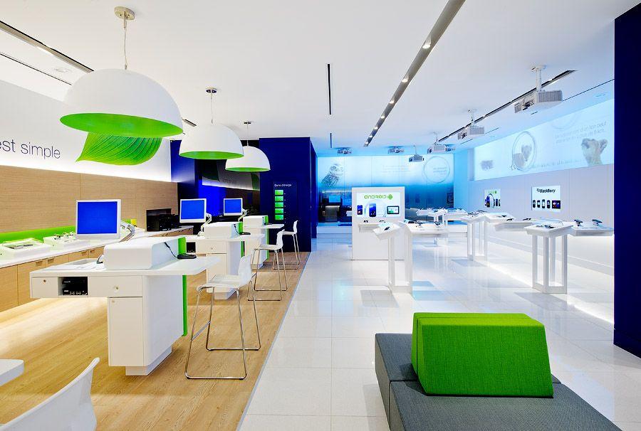 Telus Lance Son Nouveau Concept De Boutique Au Canada Design De Magasin Design Canada