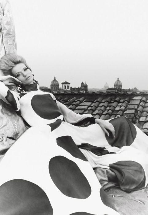 valentino couture - photo: franco rubartelli spring 1967