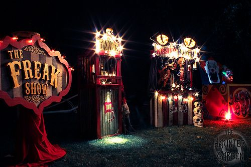 The Haunted Garden 2014 - The Build - circus halloween decorations