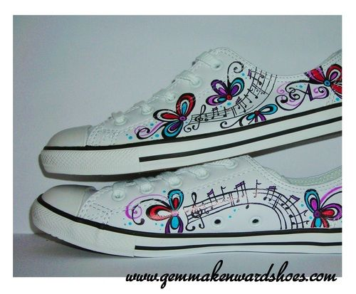 57cae9064626 Musical notes painted on shoes   trainers