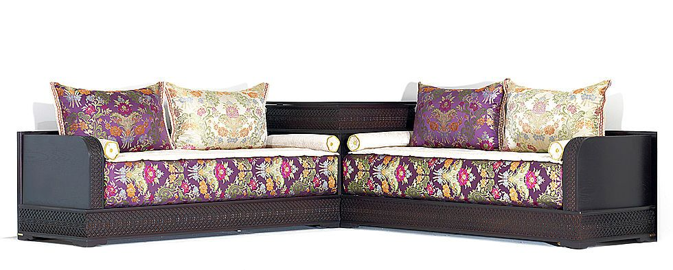 Salon marocain mamounia avec tissu dalal violet beige - Style de salon marocain ...