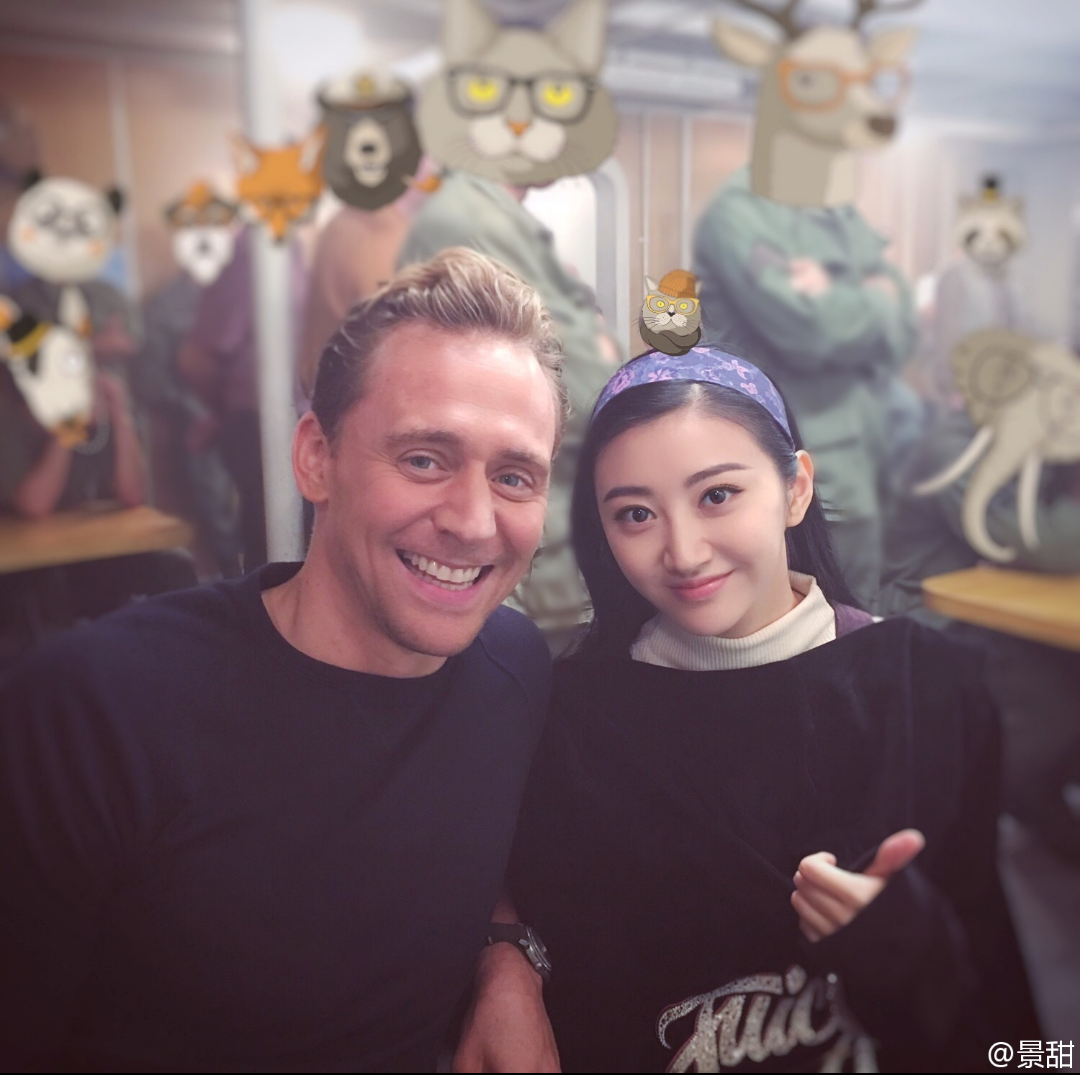 Tom Hiddleston and Jing Tian during their time filming Kong: Skull Island. (Source: Torrilla. Via lolawashere.tumblr) http://maryxglz.tumblr.com/post/154326515582/lolawashere-one-pair-of-cuties-and-a-bunch-of