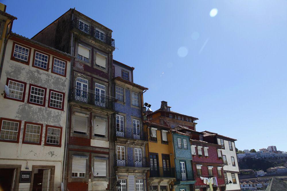 focus-aventure-julia-laffaille-porto-portugal-praca-de-ribeira - Exemple De Facade De Maison