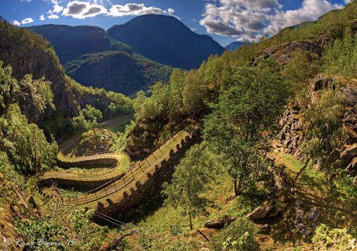 Balade le long de l'ancienne route de Vindhellavegen