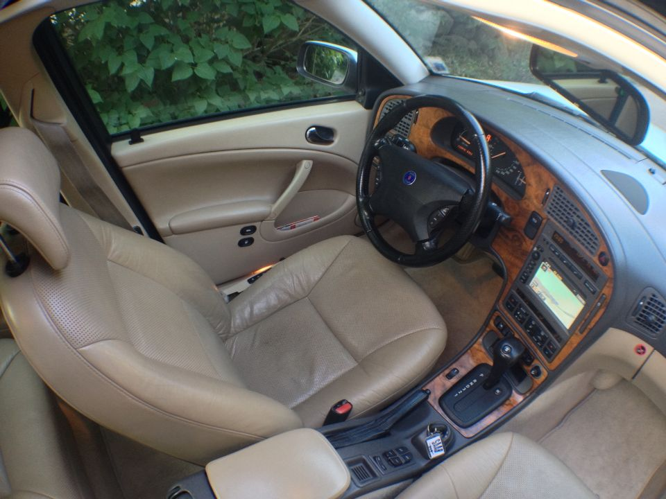 Wood Interior Car saab 9-5 aero (-00) interior: heated and ventilated leather seats