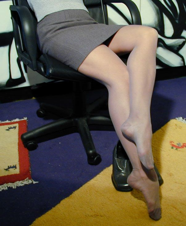 after long hours wearing pantyhose