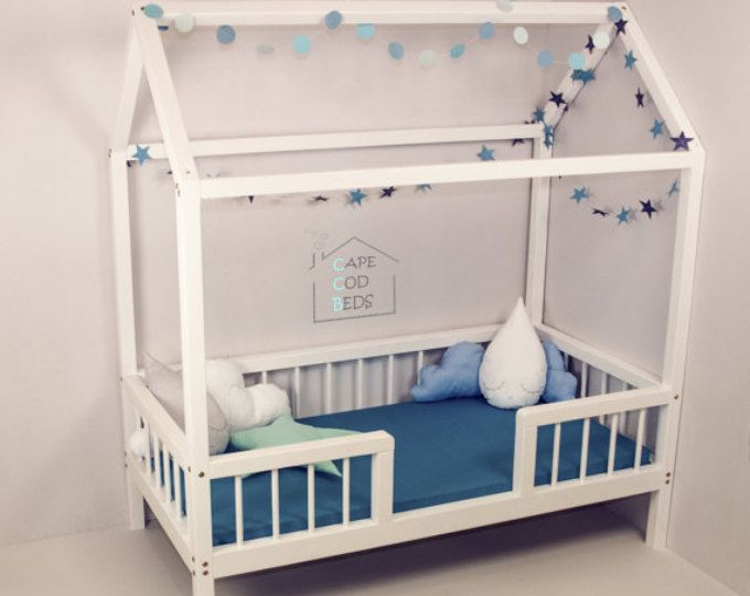 6 Ways To Turn Your House Into A Productive Home Environment: Natural Crib Sized Montessori Style Infants Bed En 2019