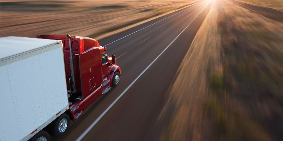 A Trucker Explains Your Worst Driving Habits Truck Driving Jobs Driving Habits Driving Tips