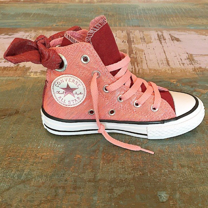 e71228ce90de98 Converse high top bow back Chucks in daybreak pink