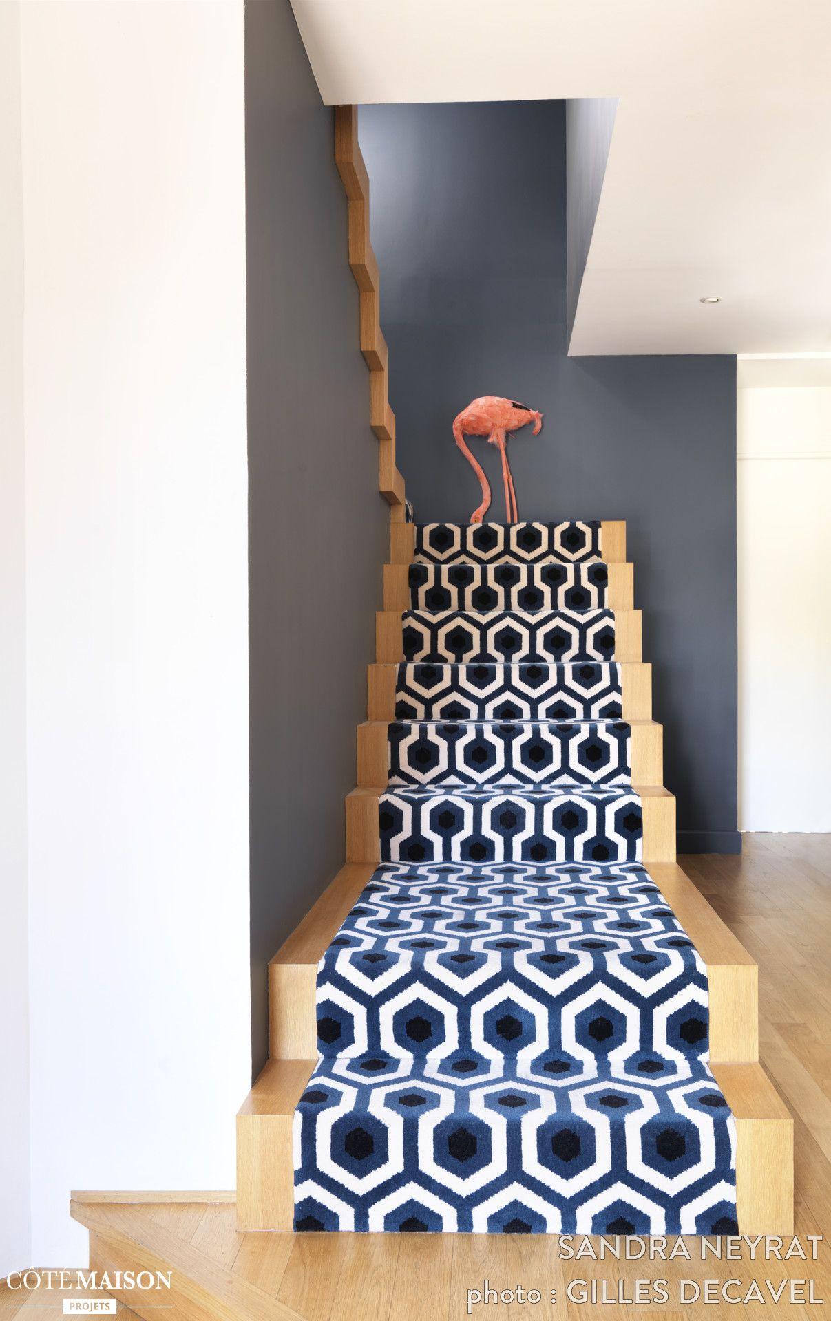 un escalier audacieux et moderne dans la m tropole lilloise escalier deco escalier tapis. Black Bedroom Furniture Sets. Home Design Ideas