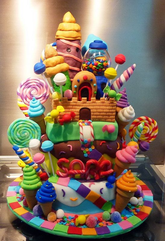 Candyland Castle Cake Little Miss Oc S Kitchen Cakes