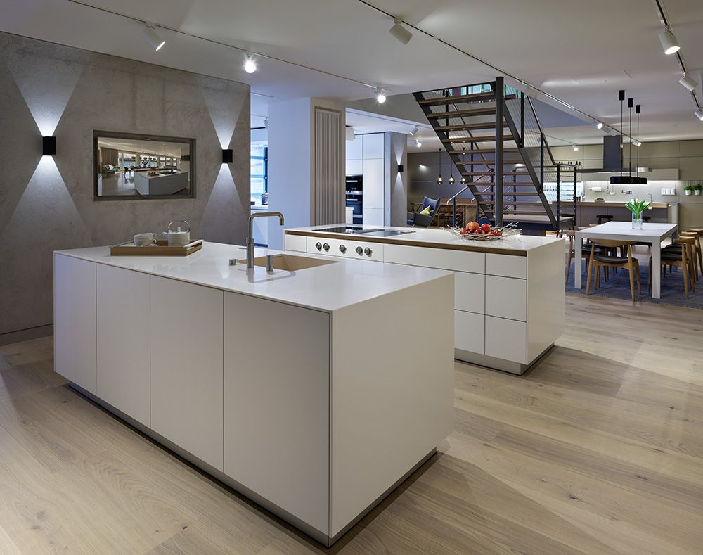 Bulthaup Küchenrollenhalter ~ Natural oak and pristine alpine white surfaces perfectly