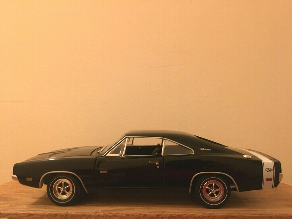 American Muscle Ertl Collectibles Preowned 1969 Dodge Charger R/T 1 of 3,749