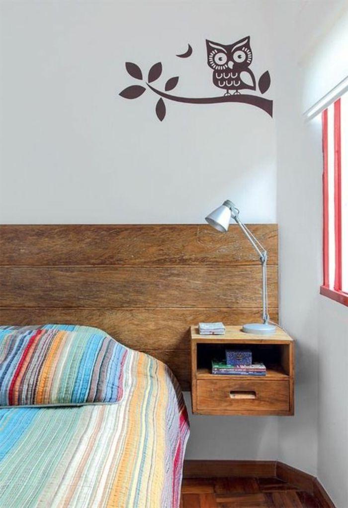 Installer une table de nuit suspendue pr s de son lit les avantages rangement - Tete de lit table de nuit ...
