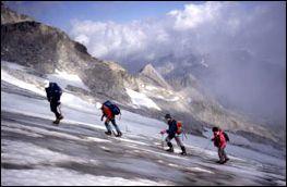 Una cordada de cuatro es más recomendable para por un Glaciar