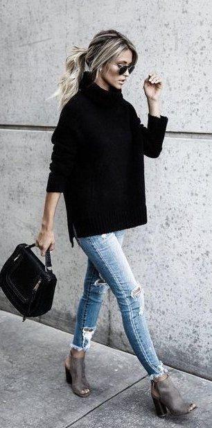 Grote Zwarte Trui.Ripped Denim Black Turtleneck Sweater Peep Toe Booties Outfits
