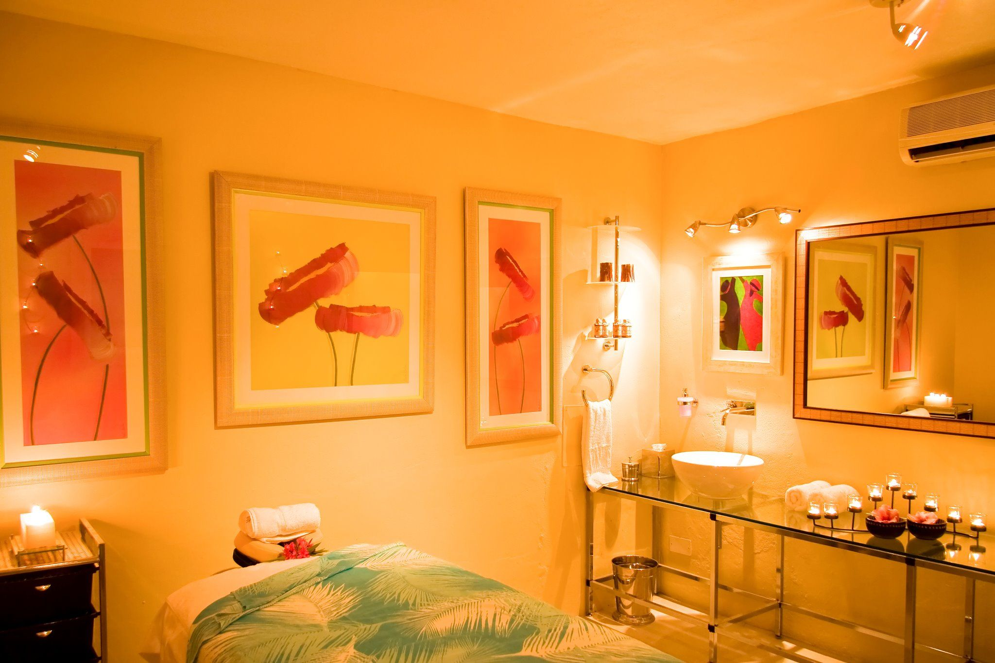 Our Cinnamon Spa offers hot stone massage, facials, body wraps, manicures and pedicures, pampering treatment packages and more that will surely unfurrow your brow.