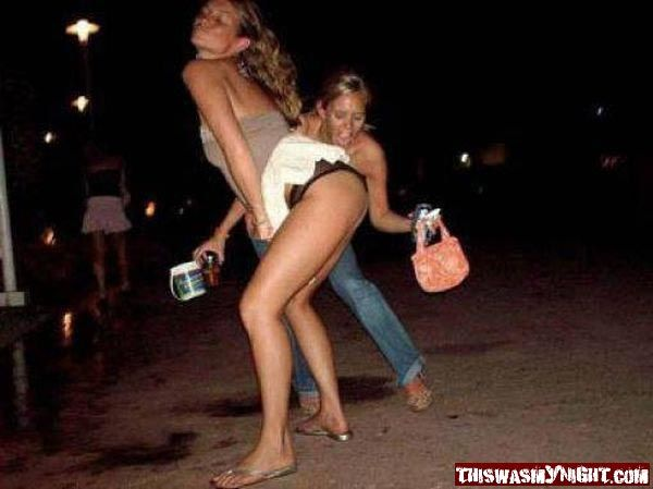 drunk-girls-showing-ass-naked-blonde-beauties