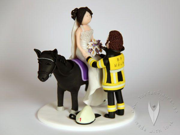 Feuerwehr Brautpaar Tortenfigur Fur Die Hochzeitstorte