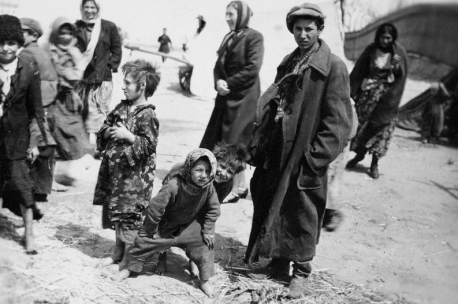 A history of the roma killed in the holocaust