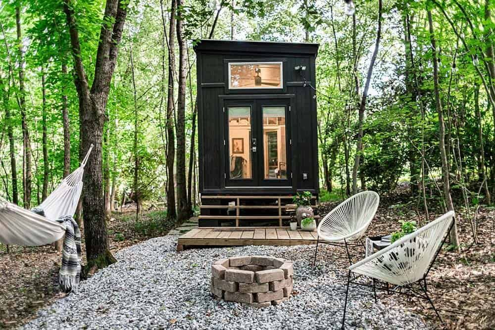 The 12 Best Most Unique Airbnbs In Georgia In 2021 Tiny House Rentals Tiny House Tiny House Exterior