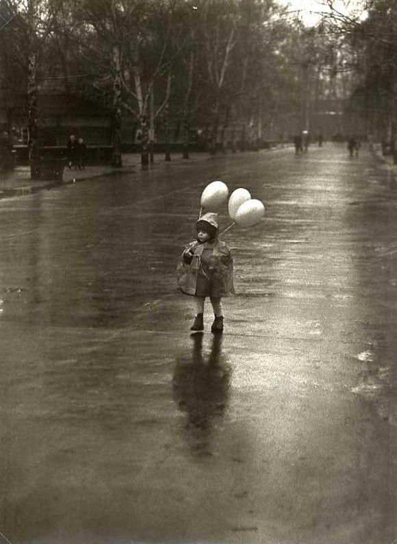 Tibor Honty - Child with Balloons in the Rain, Slovakia